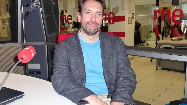 """David interviewed for the program  """"A hombros de Gigantes"""" in Radio Nacional de España"""